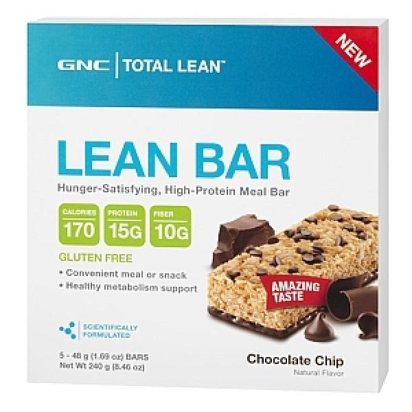 GNC Total Lean Baton Proteic cu fibre si bucati de ciocolata 48 g